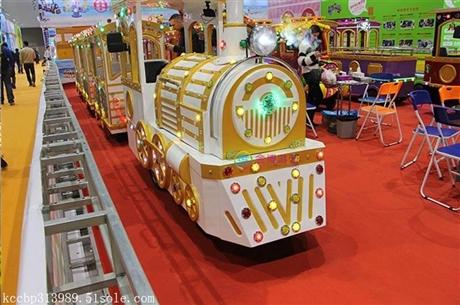 儿童户外游乐设备缤纷马戏团,缤纷马戏团小火车价格表