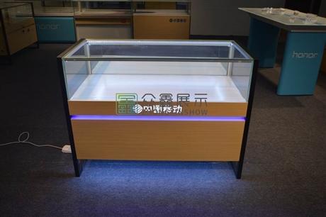 新款中国移动4G手机柜体验台
