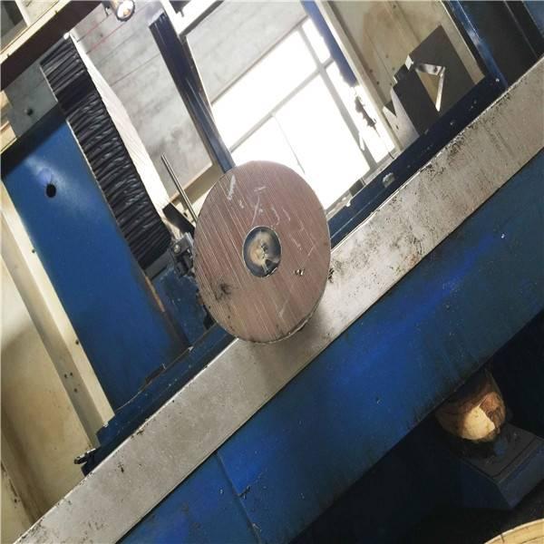 2520不锈钢管江门2520无缝管厂家自从涟钢210转炉厂开始正常投入一键式炼钢以来,转炉的吨钢石灰消耗达15公斤,氧气消耗吨钢4m3,仅此两项每年就可炼钢生产成本在2300万元。结晶器漏钢是连铸生产中严重的事故,它所造成的危害也大。不仅铸机作业率,而且损坏设备,危急操作者的,是连铸生产中难以解决的问题。因此,要保障生产顺行,连铸的作业率,就必须扼制漏钢和漏钢。漏钢的类别与原因分析结晶器漏钢的类别主要有开浇漏钢、坯壳悬挂漏钢、裂纹漏钢、切断漏钢以及夹渣漏钢、粘结漏钢等多种形式。目前,一般钢铁企业出现的