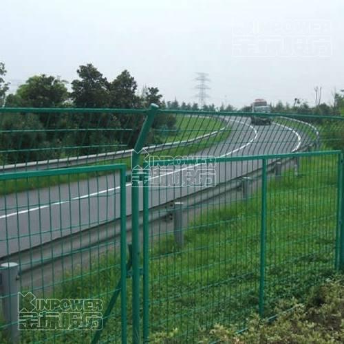 焊接临时护栏网安装步骤介绍
