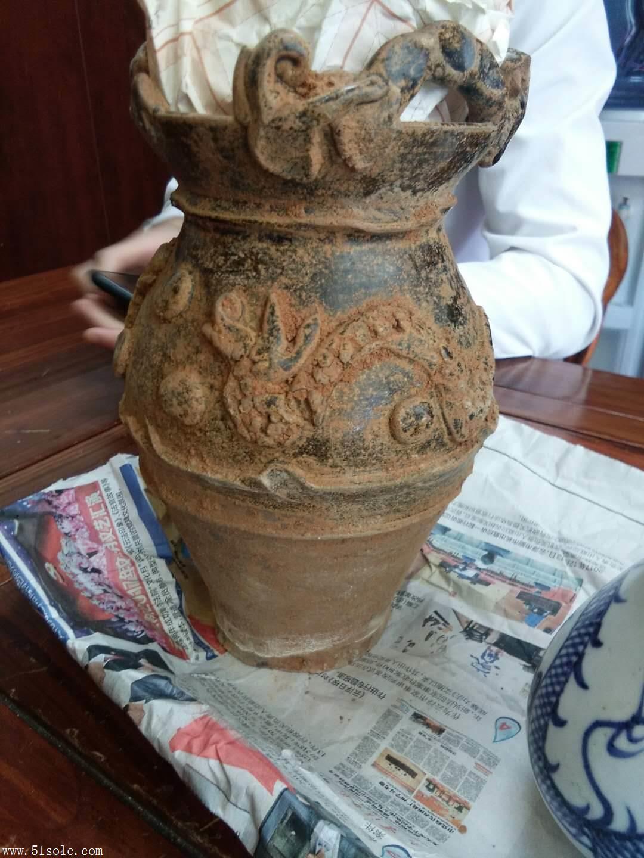 新加坡秋季拍卖征集龙纹花瓶