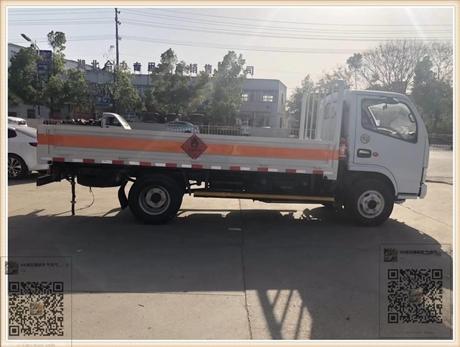 东风4吨甲醇气瓶运输车-4.2米危化品车哪家便宜