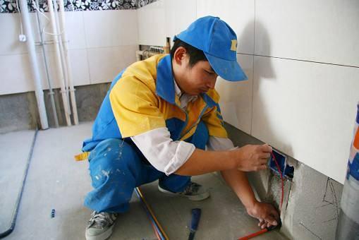闸北区电路布线安装 开槽排暗线路 专业电工上门维修