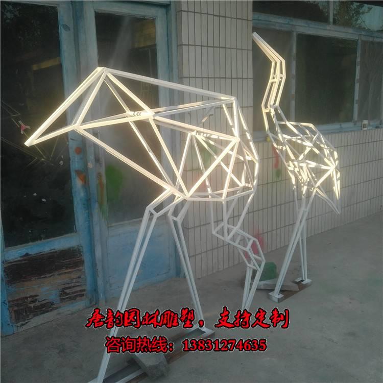 不锈钢管仙鹤雕塑,铁艺鹤小品