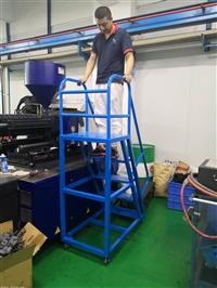 龙岗注塑机加料梯生产商,南山1.6米高防滑加料梯