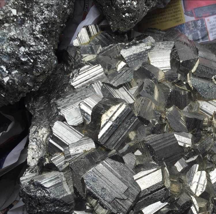 非洲进口矿石清关公司收费标准