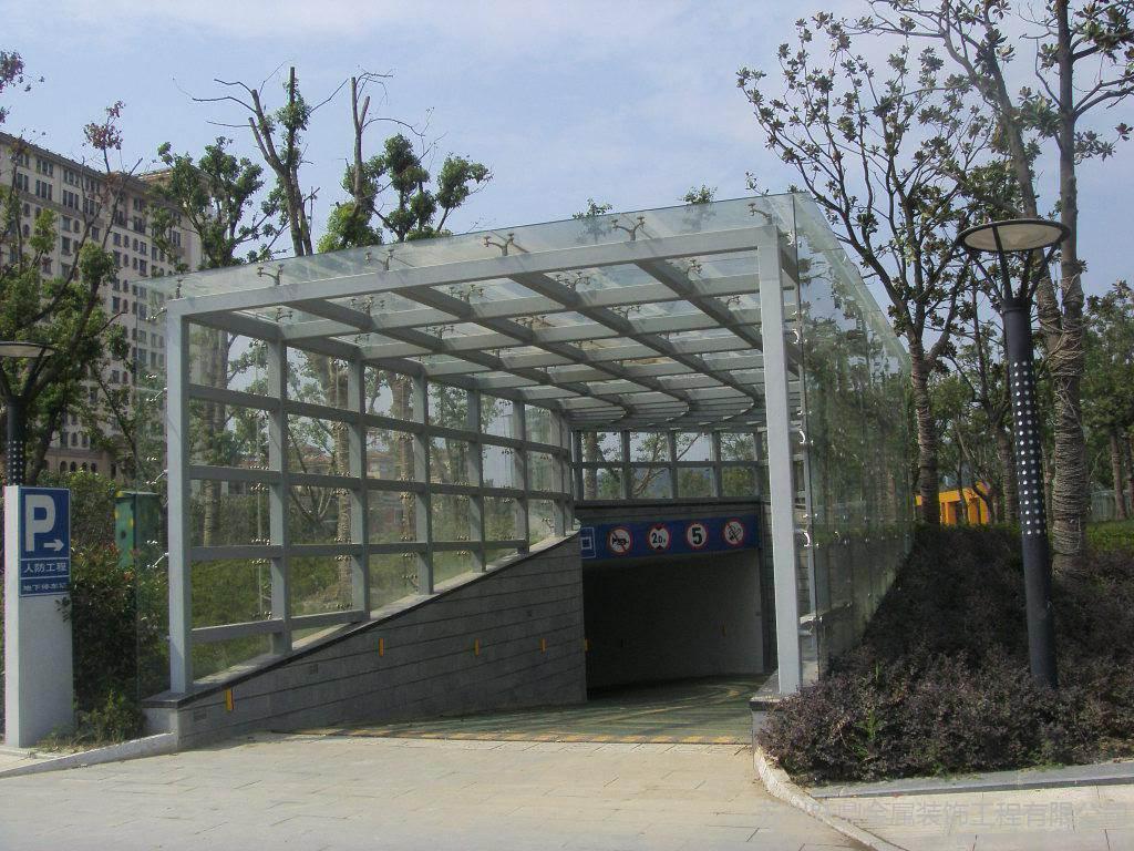 汕头钢结构玻璃雨棚