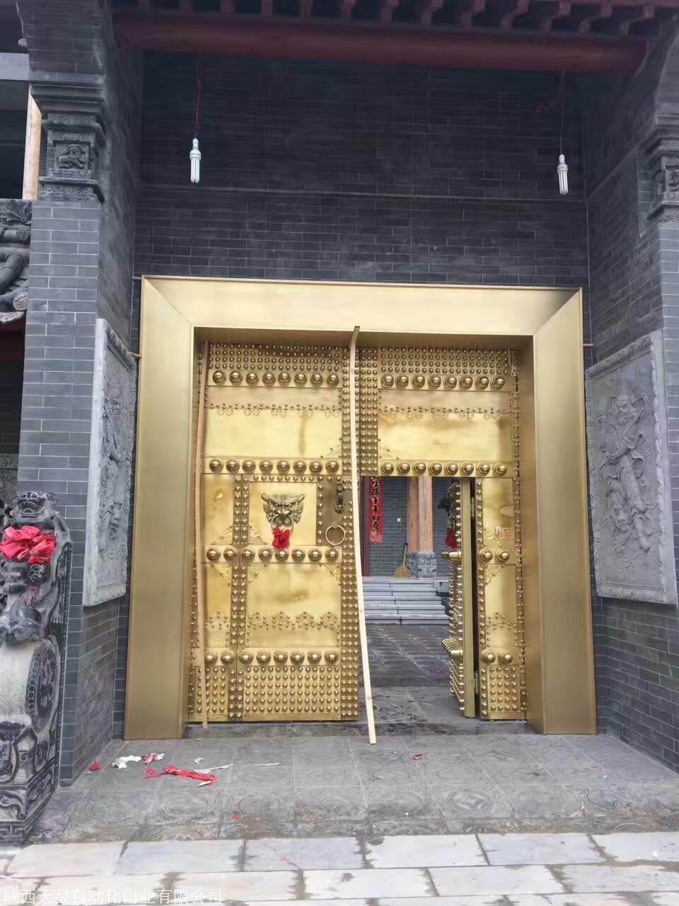 温暖铜门,精冬打造豪华工艺铜门