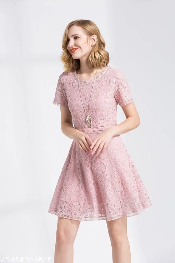 女装品牌折扣渠道百图19年春夏新款连衣裙上衣