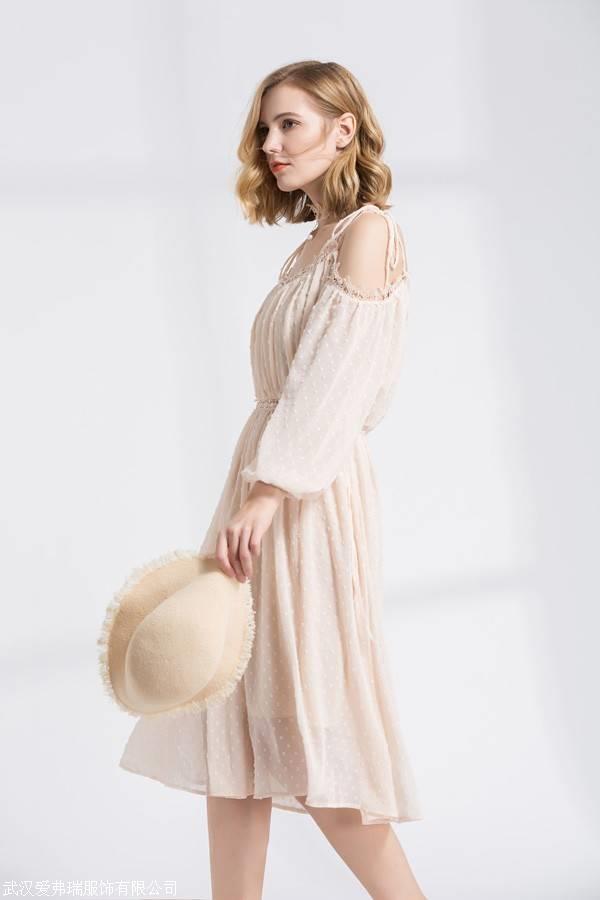 女装外套走份拉夏贝尔19年春夏新款连衣裙上衣