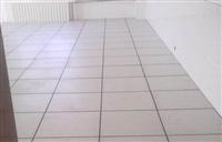 秦皇岛大量售陶瓷防静电地板,一平200来电更加优惠