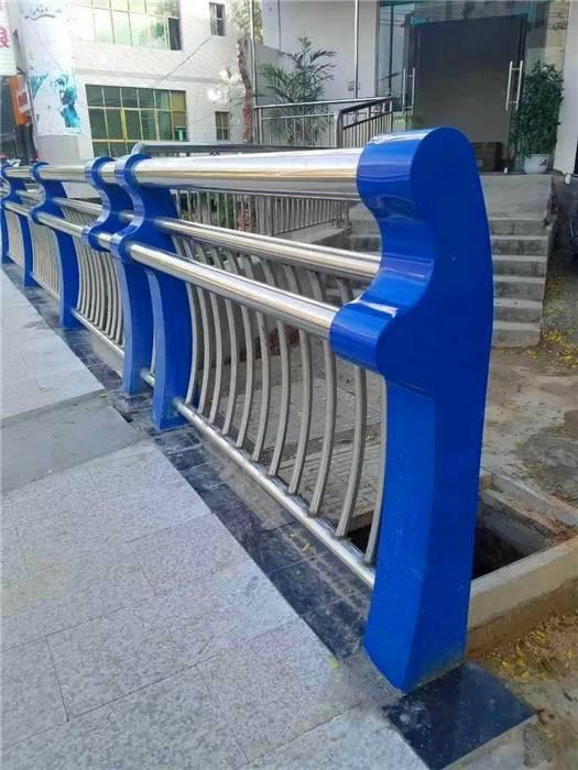 不锈钢复合管栏杆批发价