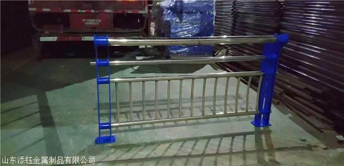 新疆不锈钢复合管栏杆价格