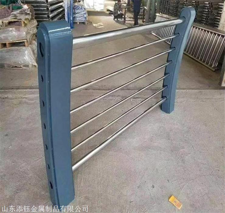 不锈钢复合管栏杆批发价格