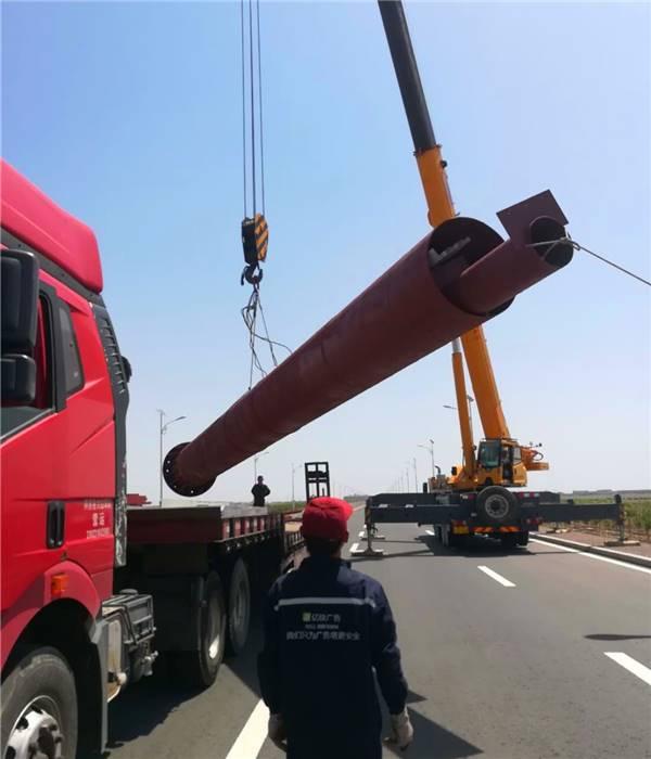 4,单立柱牌钢结构构件装卸,运输及码放均不得损坏,并防止搬动中构件