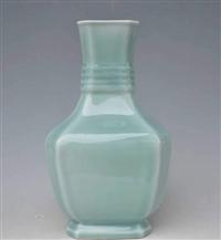 豆青釉方瓶历年?#23665;?#20215;格
