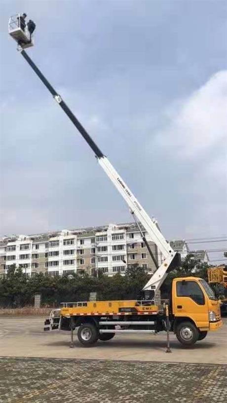 广州路灯车出租,高空作业车出租联系电话