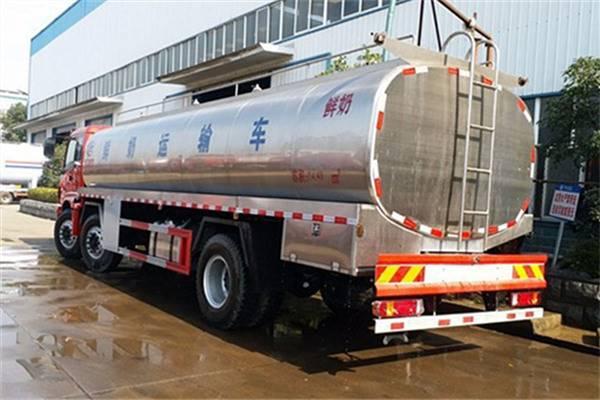 欧曼前四后四液态食品运输车 食品级不锈钢奶罐车