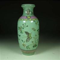 哪里容易拍卖民国粉彩花蝶纹瓶