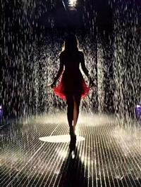 伦敦雨屋出租 淋不湿身的雨屋出租出售