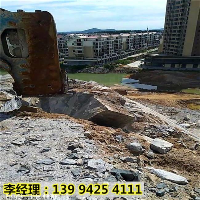 江苏宜兴水泥厂快速开采石头设备容易坏不