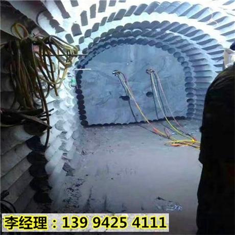 甘肃敦煌高速边坡开挖岩石开采设备施工方案