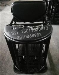 实拍铁质审讯椅图片