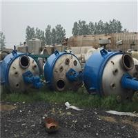 出售化工廠安裝未使用二手2立方不銹鋼反應釜