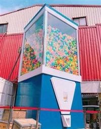 大型扭蛋机什么样子 巨型扭蛋机多少钱