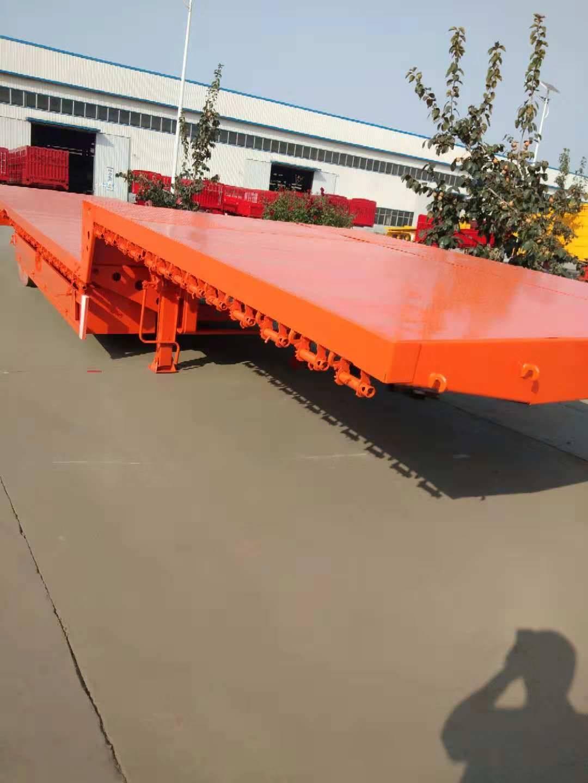 13.75米3米宽低平板运输半挂车价格