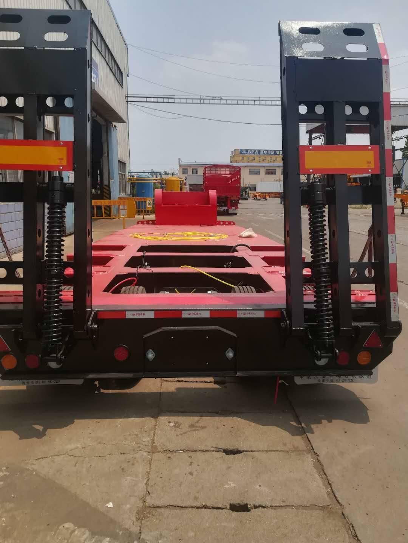 轻型低平板半挂车11米12米分别配置参数价格