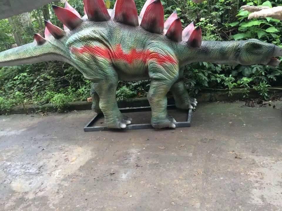 目光炯炯恐龙出租