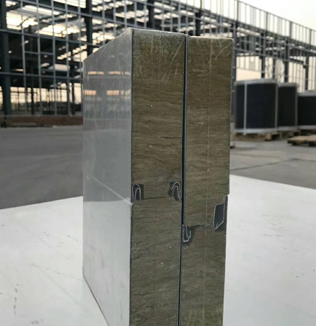 聚氨酯岩棉复合板墙面  聚氨酯金属外墙板肥乡县价格行情中汇建筑