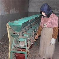 鐵蓮子去殼機 老蓮子剝殼機 殼蓮子加工機器 尚品蓮皇批發供應