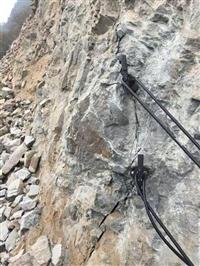 滄州開山破石液壓劈裂機