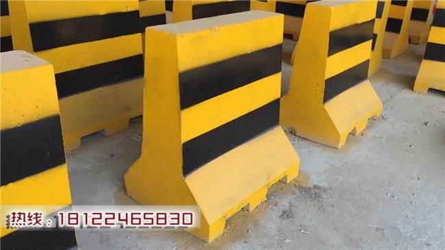 混凝土隔�x墩什麽�r格