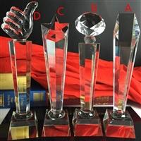 廣西水晶大拇指獎杯 水晶圓柱體獎杯廠家 團體員工獎獎杯定制