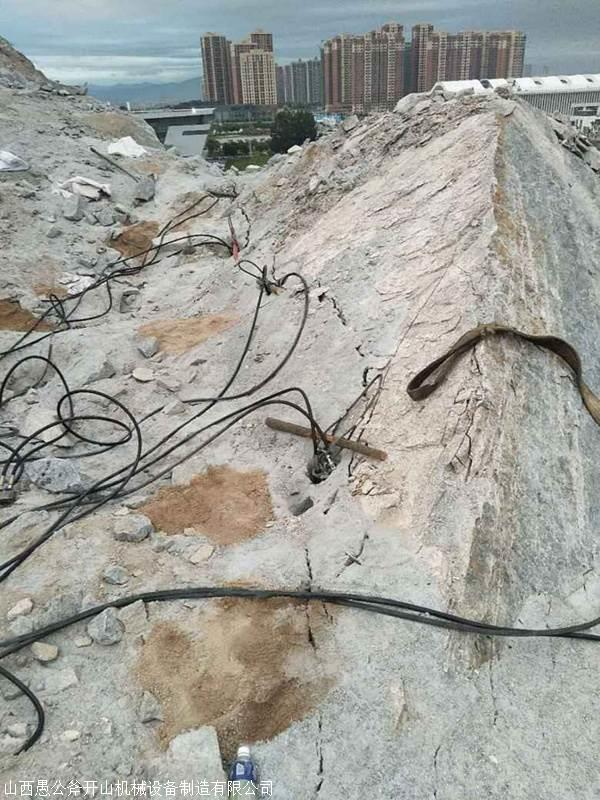 山东莱芜有没有破坚硬石头速度快的机器 岩石杏耀登陆下载机