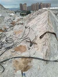 海南三亚地基开挖碰到岩石机载式岩石凤凰彩票app手机版机 岩石凤凰彩票app手机版机