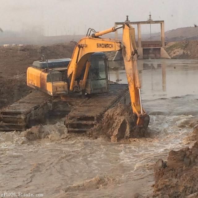 供应湿地挖掘机出租厂家