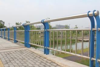 北京不锈钢桥梁护栏公司