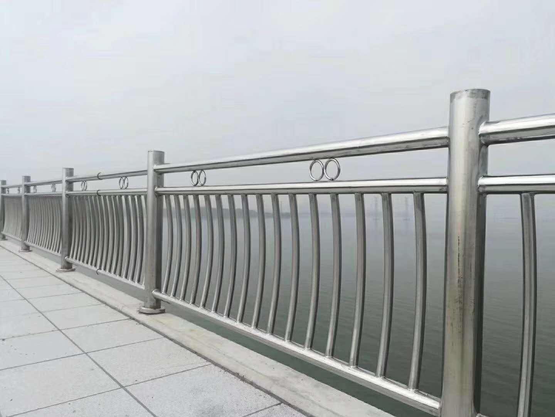 河南不锈钢桥梁护栏规格