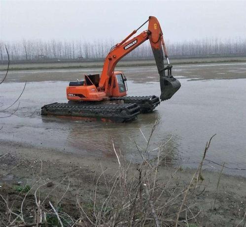 湖北湿地挖掘机租赁公司
